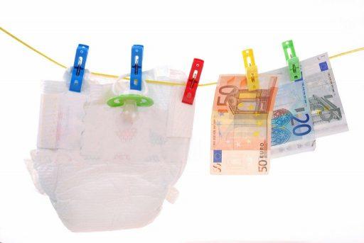 pinigai-uz-gimdyma